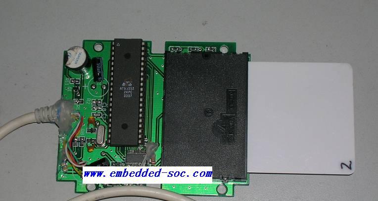 内部电压提升电路保证了芯片能够以单+5v